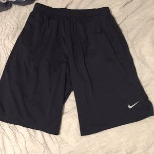 Nike dri fit basketball shorts large